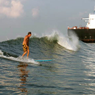 Tanker Surfing Season 2012 Heats Up
